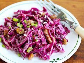 Салат из красной капусты с орехами