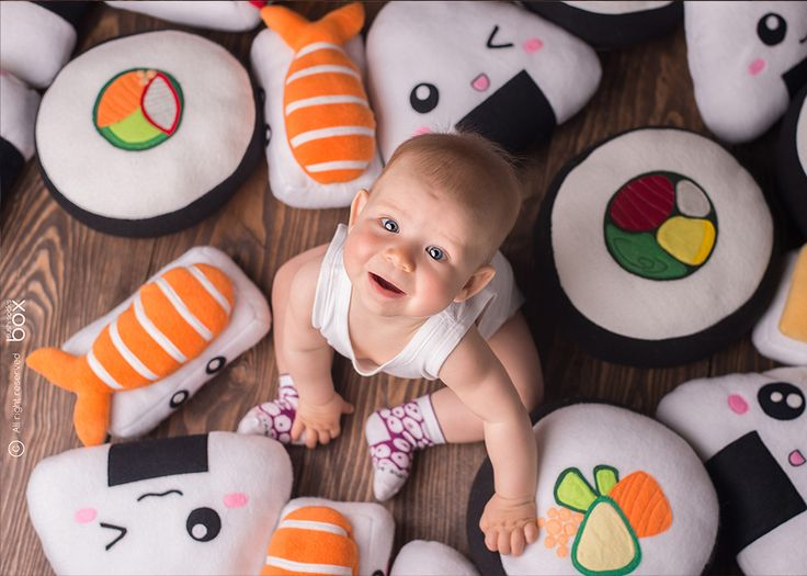Sushisocksbox.com Socks which looks like sushi! Octopus nigiri sushi for babies!