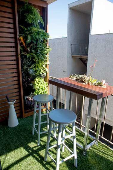 d co balcon un am nagement color et chic pour l 39 t s paration en bois mur vegetal et. Black Bedroom Furniture Sets. Home Design Ideas