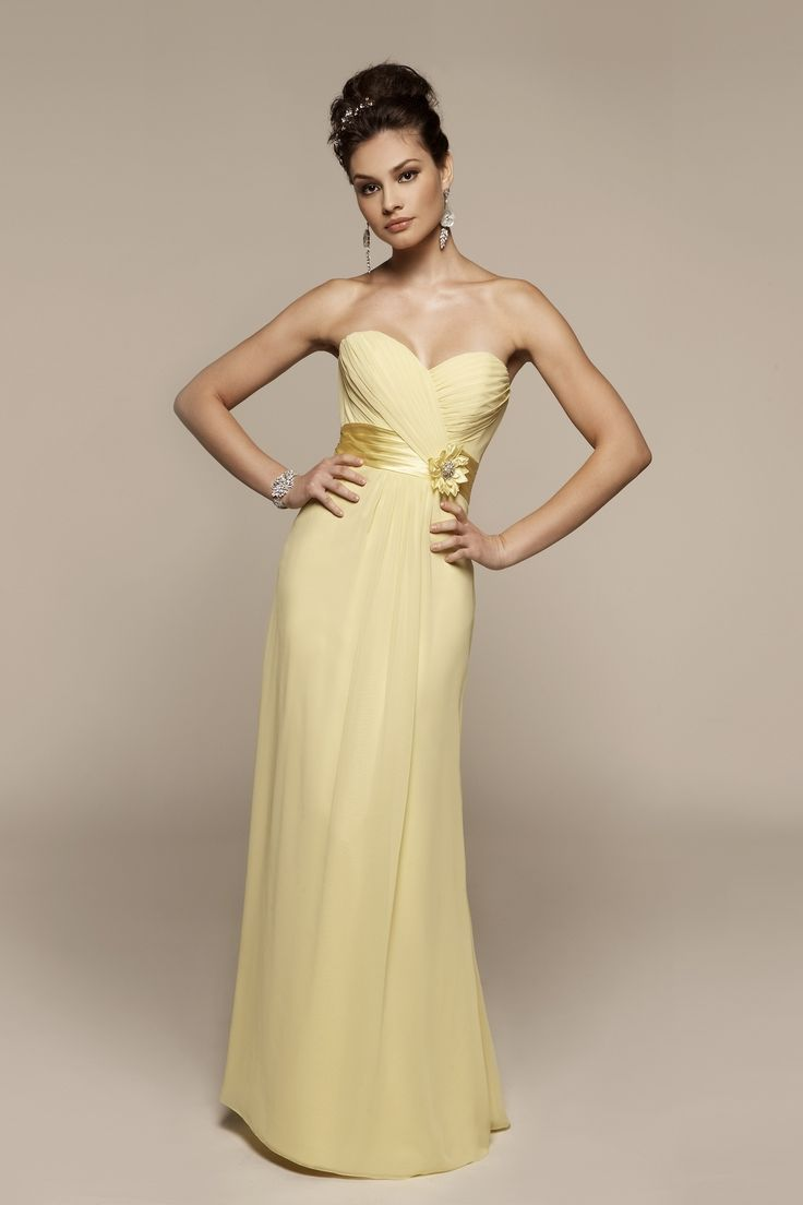 Sweetheart chiffon dress with natural
