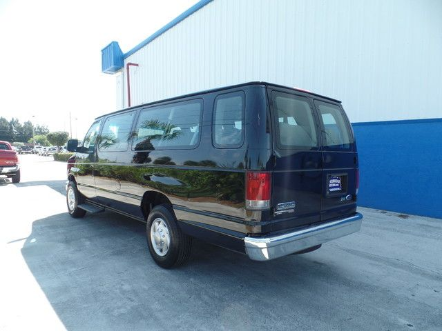 2011 Ford E Series Wagon XLT 15 Passenger
