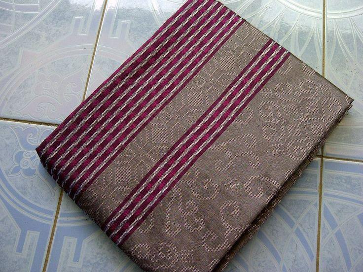 Jual Tenun Baron Silver dan Pink Harga yang kami berikan sangatlah terjangkau :  HP : 0822-2777-0246 PIN : 749D3643 http://tenunbaronjepara.blogspot.com/