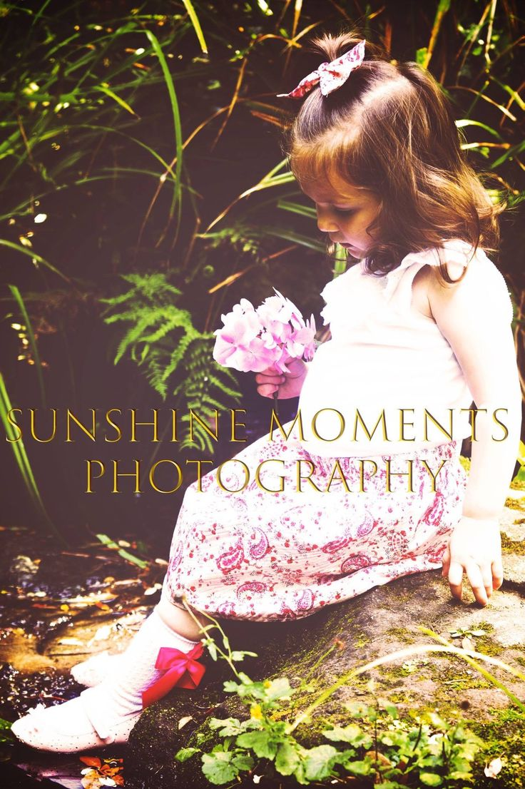 Outdoor toddler girl photography