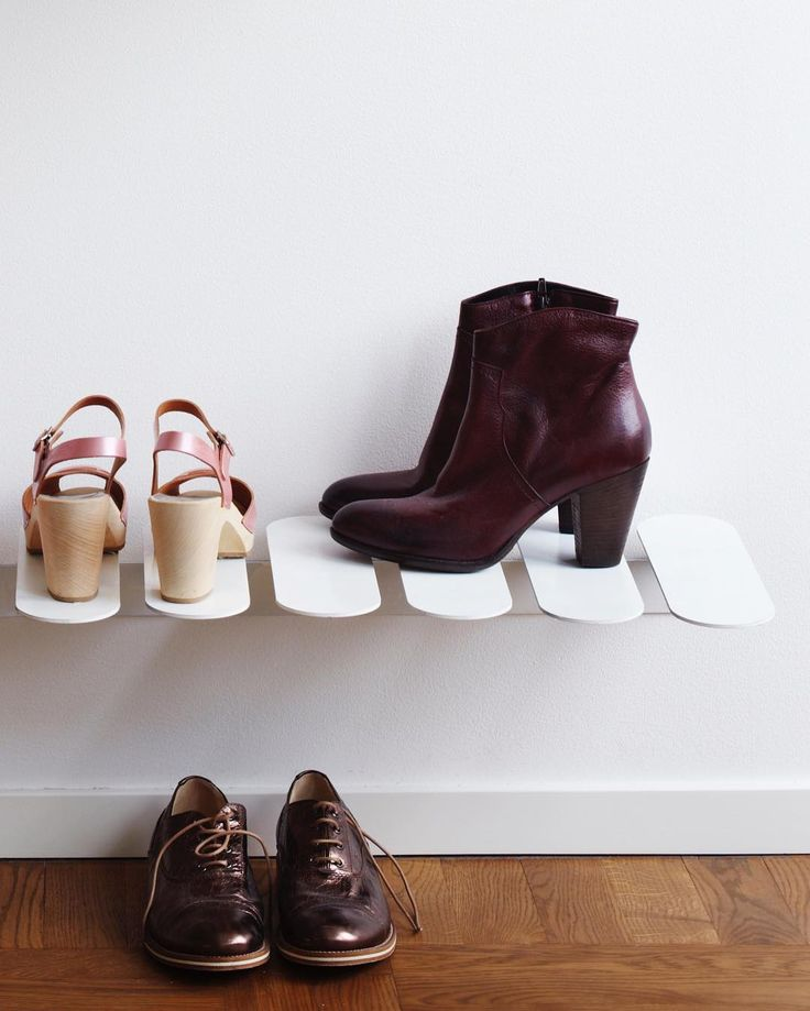 The designer behind the floating shoe shelf Step is Gustav Rosén who's idea was to create a system without visible joints: how smart! #mazeinterior #slowproduction #shoeshelf #step #gustavrosén #shoe #design
