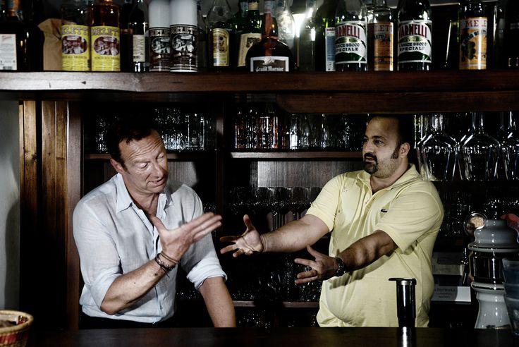 Al ristorante...due baristi che litigano...