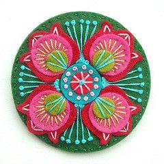 Mandala - feltro e bordado