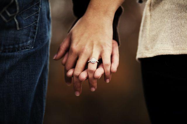 The Wedding Post of Arkansas wedding blog: Real Arkansas Engagement: Kelley + Jonathan