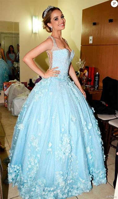 Giovanna Chaves, vestido valsa debutante