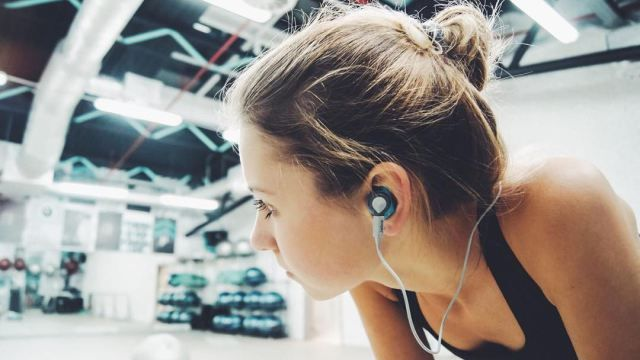 Headphones That'll Change How You Work Out | StyleCaster