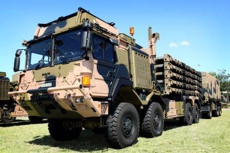 A first batch of new-generation Rheinmetall trucks and Haulmark trailers has been delivered to the Australian Army.