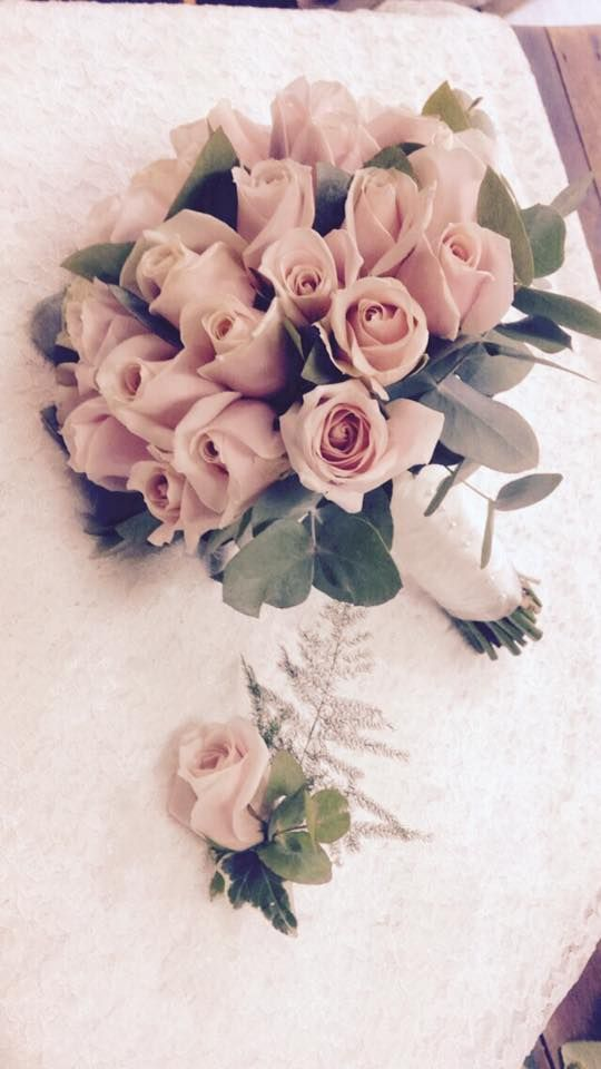 Fishlocks Rose Bridal Bouquet & Button Hole!