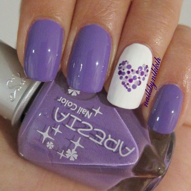 Purple nails with dotted heart. I am definitely going to try it right now! - Best 25+ Lavender Nail Polish Ideas On Pinterest Summer Nail