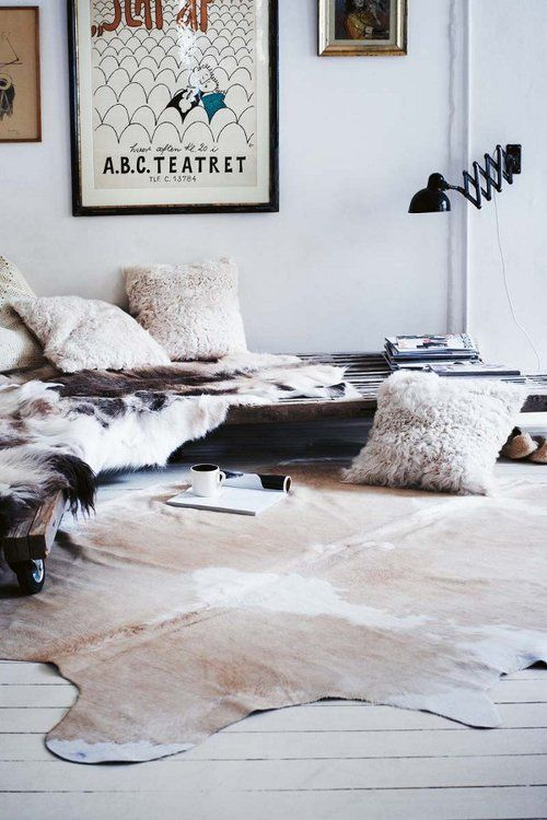 .: Living Rooms, Home Interiors, Livingroom, Interiors Design, Cowhide Rugs, Cars Girls, Fur, Cows Hiding, Design Home
