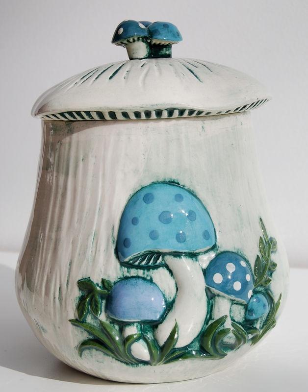 Arnels Mushroom Ceramic Cookie Jar
