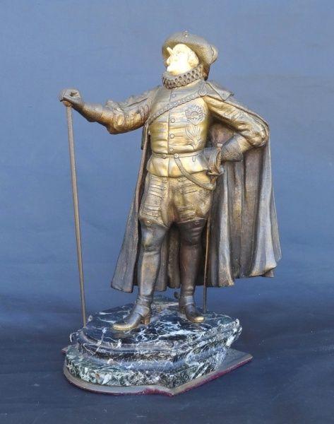 """Importante escultura em bronze e marfim, assinada Paul d"""" Aire."""