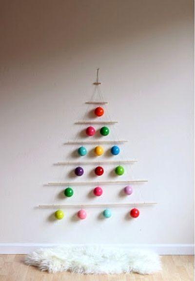 Rbol de navidad low cost y minimalista ideas casas - Decoracion navidena minimalista ...