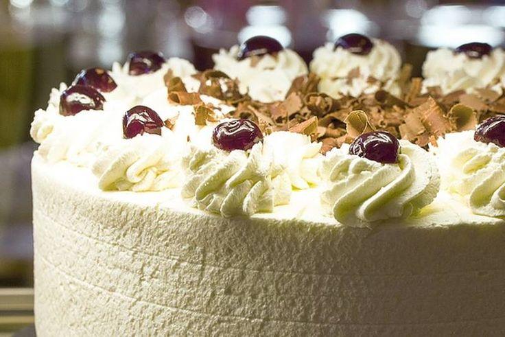 'LAŽNA' SCHWARZWALD TORTA: Vrhunska torta za koju vam ne treba pećnica - Moja kuhinja