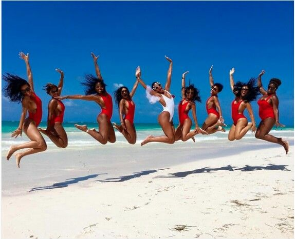 Eniko parrish and her bridesmaids in the Dominican Republic #bacheloretteparty  #lookslikefun