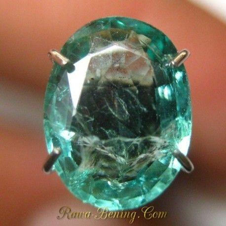 Zamrud Kualitas Bagus, Bening, Cahaya Tajam. Cocok untuk perhiasan emas ratusan juta. Info Lengkap: https://goo.gl/HmZTYx Order Cepat: 0888 1 6262 52 (Call/WA) Lihat Video: https://youtu.be/-4jgM-szrZE Melayani Pembeli Dari Seluruh Indonesia.
