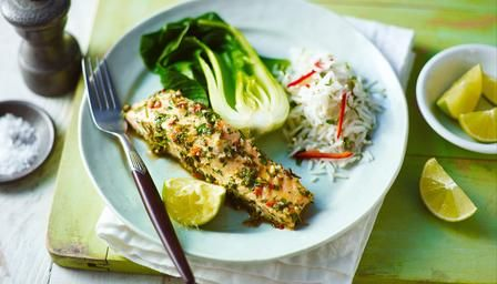 Tasty and healthy thai steamed salmon... just leave out the garlic and dinner is sorted ; )