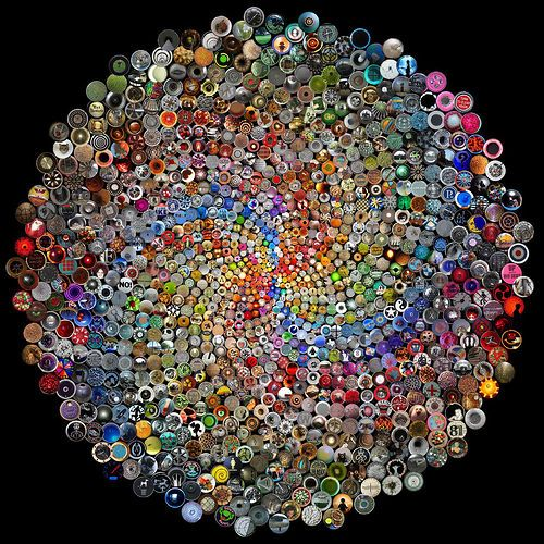 unbelievable button art - wouldn't this be cool to tile a table top?