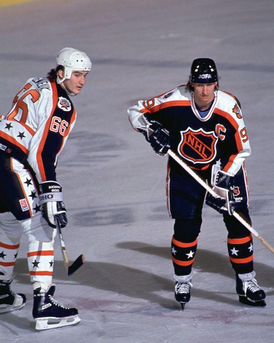 9a60e7dfef3  4.99 - Wayne Gretzky   Mario Lemieux Unsigned All Star 1990 8X10 Photo   ebay  Collectibles
