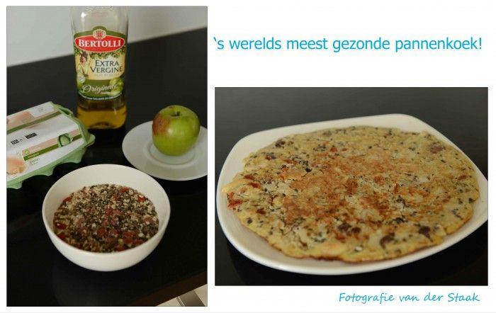 's wereld meest gezonde pannenkoek! Gemaakt van havermout met zaden (chiazaad, sesamzaad), noten (hazelnoten en amandelen), rozijnen en gojuibessen. Dit heb ik een nacht laten weken in de sojamelk. De volgende dag twee eieren toegevoegd en een halve appel in kleine stukjes. Een beetje olijfolie in de pan en het mengsel bakken zoals je met normaal pannenkoekenbeslag doet.  Dit is het resultaat: zalig & voedzaam!