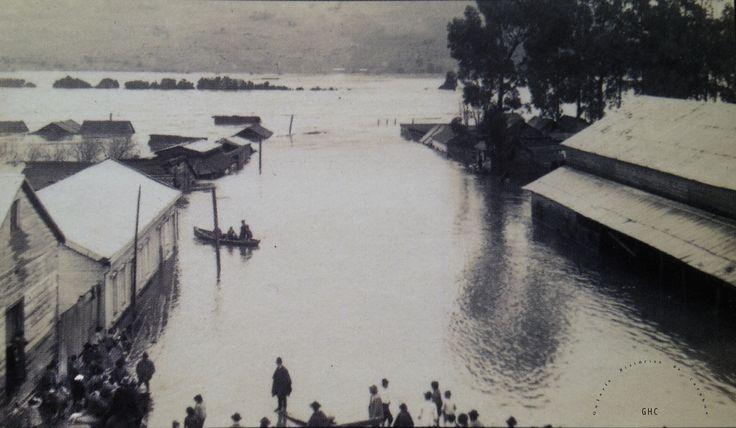Galería Histórica de Carahue. Cultura Ribereña: Inundación en Villa Damas. 1922.- -----------#ghc #carahue #memoria #patrimoniofotografico