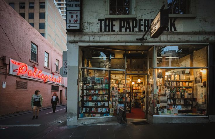 Icons ... Two favourite places to seek warmth on a cool, summer's night in Melbourne ... Any night for that matter. #pellegrini #thepaperbackbooks #citylife #melbournestreetphotography #bookstore #italianrestaurant #melbourne #melbournephotographer #dusk #canonaustralia #visitmelbourne #melbourneiloveyou #igersmelbourne #instamood #naturallight #streetphotography #readabook