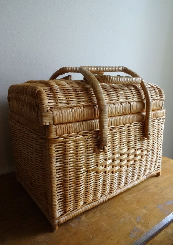 Beautiful vintage small wicker doctor bag style picnic basket
