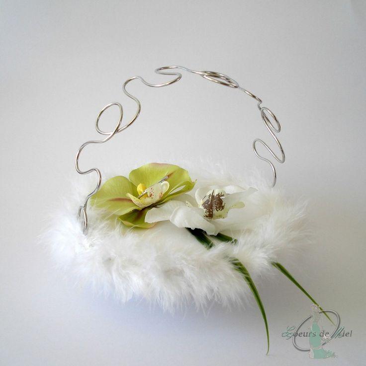 Porte alliances MARION - Un porte alliance douceur idéal pour un mariage sur le thème champêtre chic. Présenté ici en argenté.
