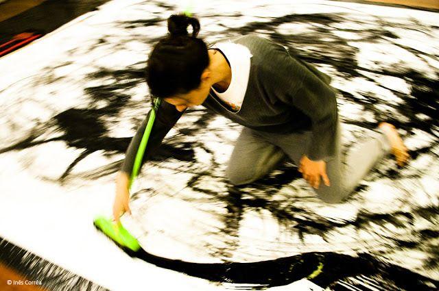 Leticia Sekito - Mark making performance -corpoemimagem.wordpress