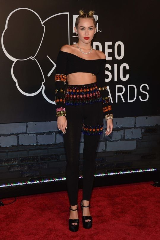VMAs 2016: The 50 most memorable red carpet looks of all time - Vogue Australia