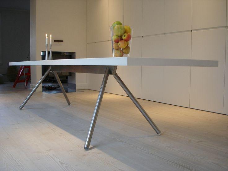 mat stål og corian Bjarne Hammer Kitchen table Århus
