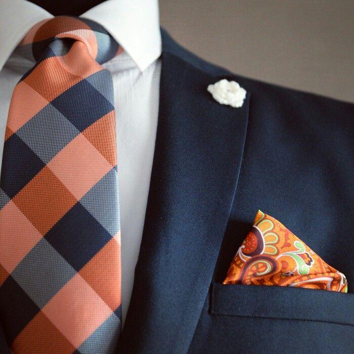 Spectacular tie