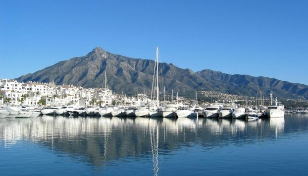Best places in Puerto Banus: hotels, beachs, bars, restaurants, shopping