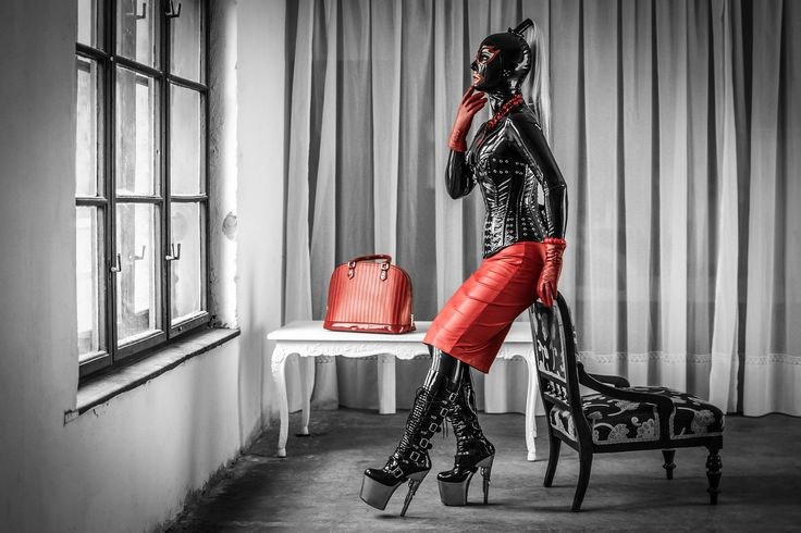 Black & Red | MUA, concept, model: Effi Sky  | Explore Richard Markó's photos! http://www.fenykepalbum.hu http://www.facebook.com/fenykepalbum http://www.flickr.com/photos/rch_rch Feel free to donate with PayPal: https://goo.gl/IFtK40