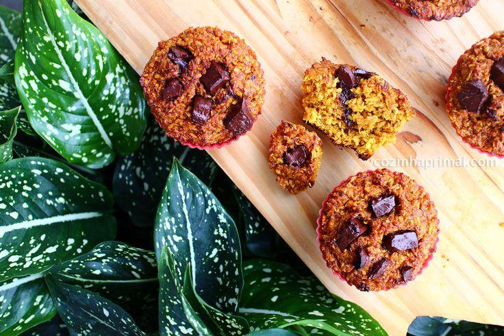 Muffins de abóbora com coco e gotas de chocolate amargo