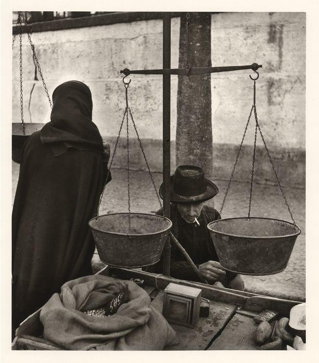 Jean Dieuzaide, Le marché, Evora, Portugal, 1954.