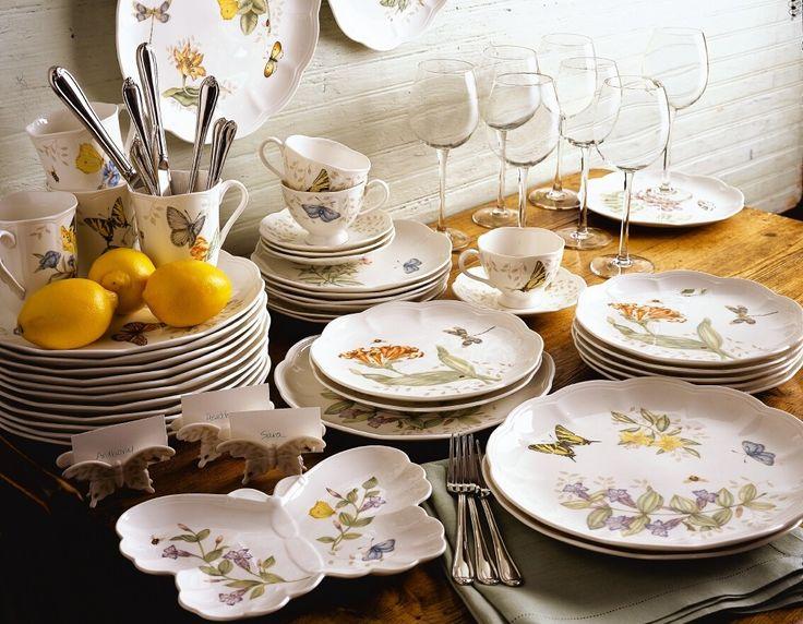 Propozycja dla miłośników porcelany z barwnymi wzorami. Serwis Butterfly Meadow marki #Lenox