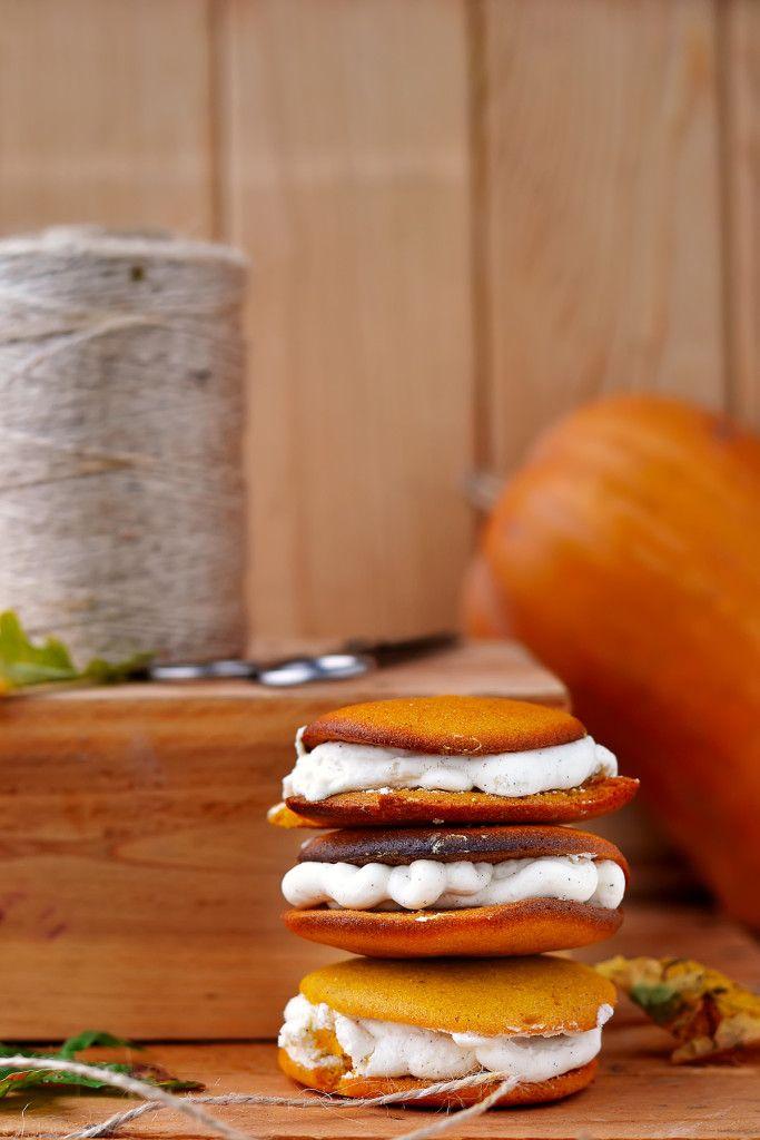 pumpkin-whoopie-cookie.10
