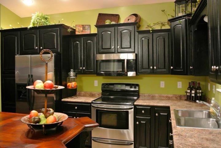 Lime green black my dream kitchen for Lime black kitchens