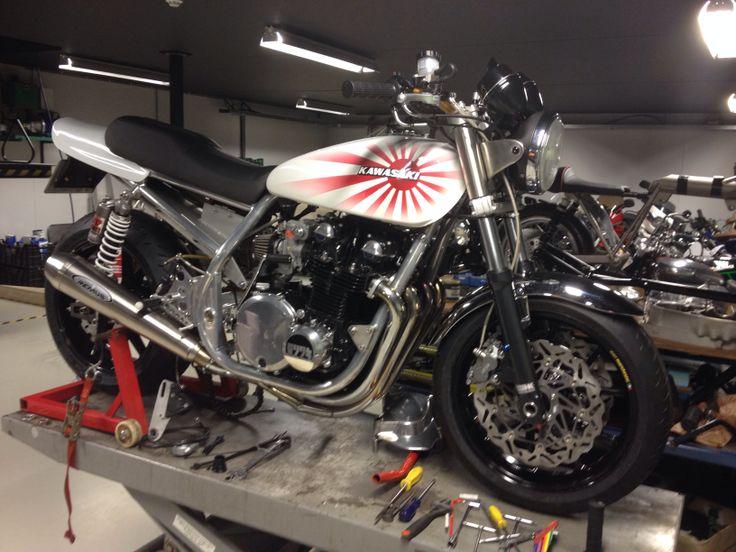 Spondon Kawasaki z1 Almost ready to go on the road #motorcycles #bratstyle #motos | caferacerpasion.com