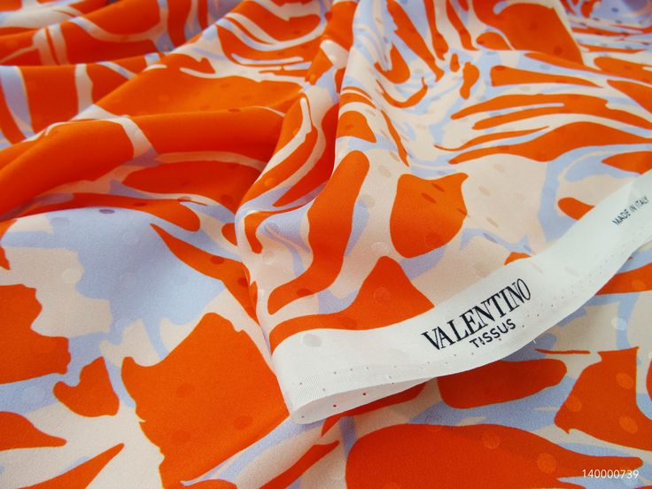 #Silk #Jaquard  Valentino