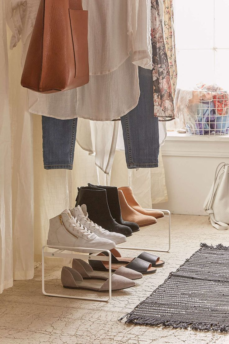 Porte-chaussures simple et ajustable - Urban Outfitters