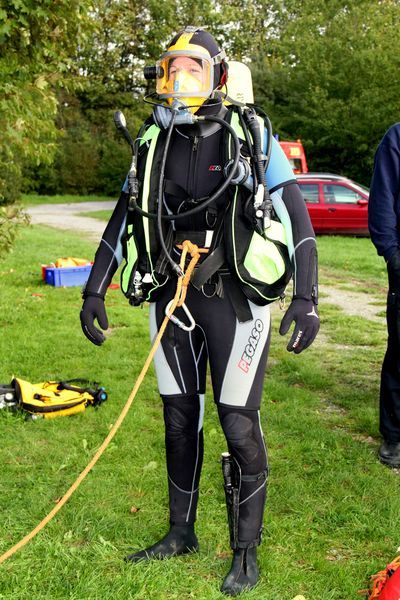 Pin by de proxor on diving woman wetsuit drysuit and - Discount dive gear ...