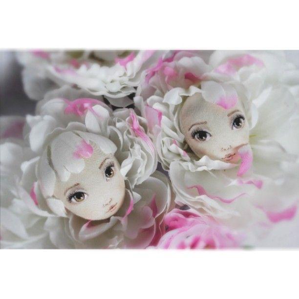 #doll #dolls #dollmaking #handmade #кукла #куклы #текстильнаякукла #ручнаяработа #dollstagram #babyblog #цветы #flowers #пионы Авторские куклы Анны Балябиной