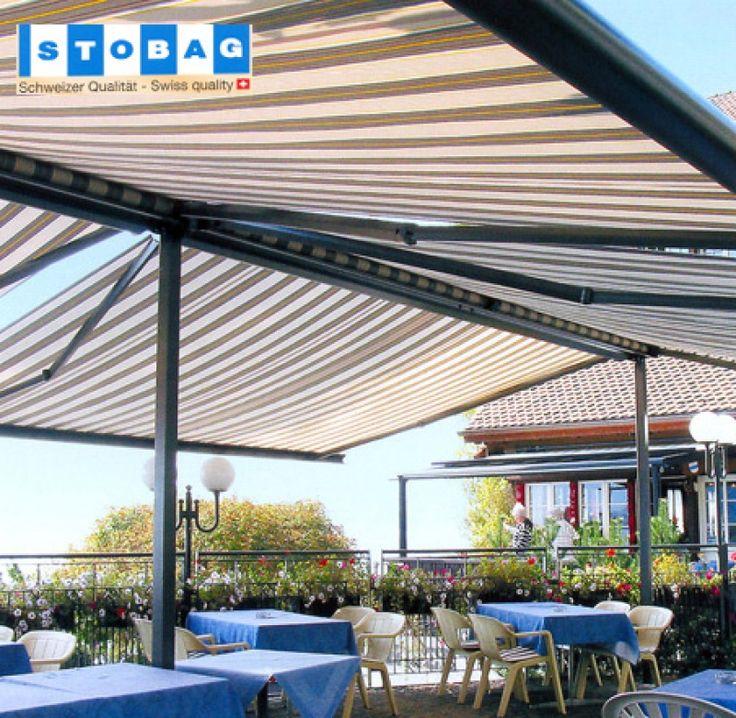 Con los Toldos autoportantes es posible cubrir grandes superficies de una forma fácil y cómoda. El toldo con postes es idóneo para utilizarlo en restaurantes o cafeterías, piscinas, actos o celebraciones al aire libre y en numerosos acontecimientos.
