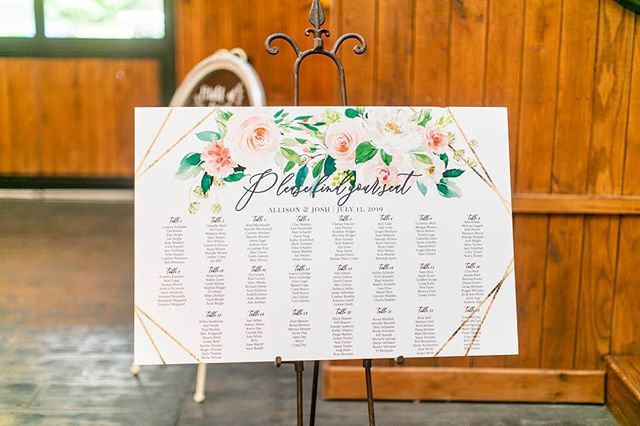 Wish We Had A Seat In This Real Wedding Rentmywedding Monogram Light Rentmywedding Photography Seanszitaspho In 2020 Event Inspiration My Wedding Wedding Events