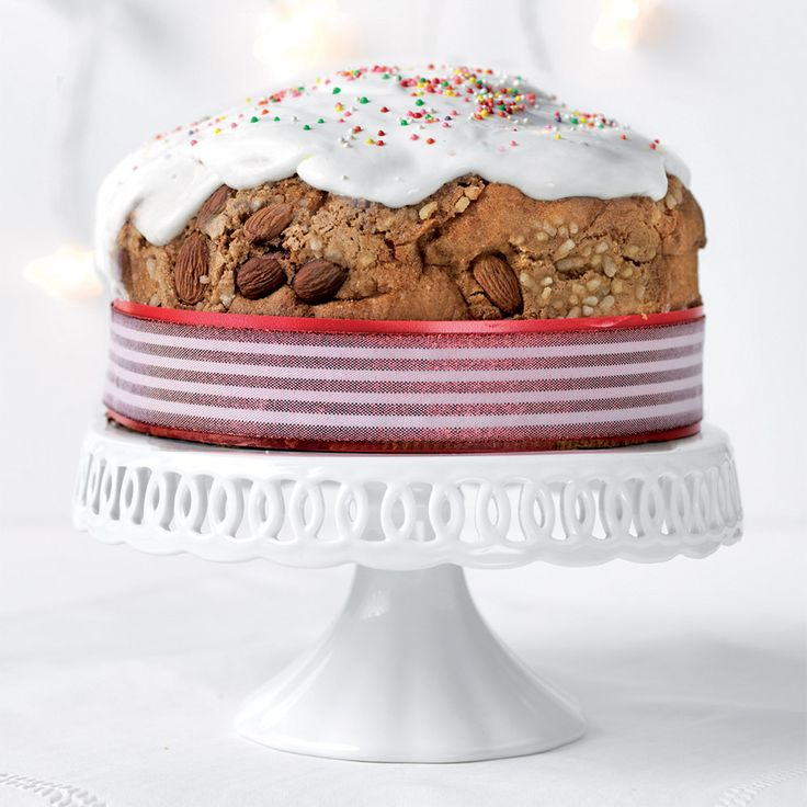 Dress Cake – Il Girotorta #christmas #idea #bows #ribbons #present #home #gift #garland #design #cakedesign #dresscake #cakeskirt #brizz